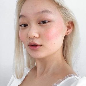 Glossier Makeup - Glossier Cloud Paint in Beam